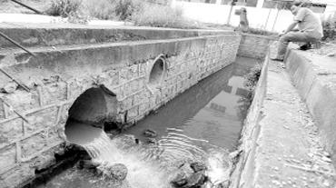 《两片区污水直排河道》追踪